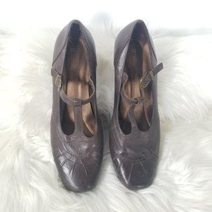 Naturalizer | Ganache Brown T-Strap Square Heels 6